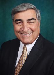 MR - 20140818 - College Trustee named Recipient (PHOTO)